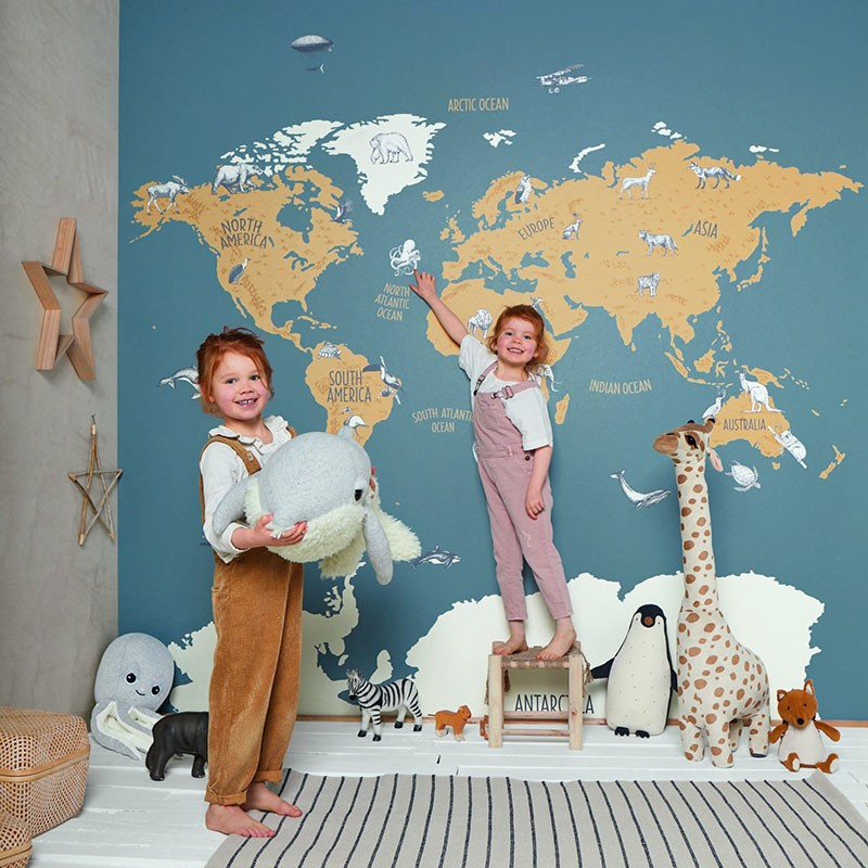 Mural infantil Caselio Our Planet World Map OUP102032066