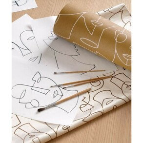 Hoy, las caras regresan de una forma un tanto surrealista, a modo de garabato. Es la tendencia deco que está triunfando esta temporada. Aquí te decimos en que catálogos puedes encontrar estos diseños!  1️⃣ Catálogo: Gallery de Casadeco 2️⃣ Catálogo: Art Decó de ESTAhome  3️⃣ Catálogo: Amazonia de Holden 4️⃣ Catálogo: Agathe Nefertiti de Khroma  #papelpintado #papelpintadomoderno #papelpintadoverano #decoracion #decorostros #interiordesign #inspiracion #caras #tendencia